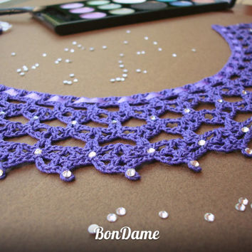 Violet lace collar decorated with crystals