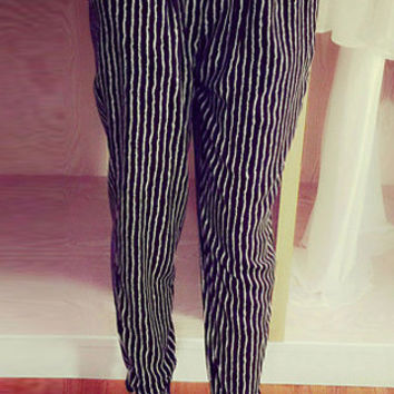 Black and White Striped Elastic Waist Chiffon Harem Pants