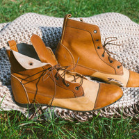 Leather Ankle Boots / Italian Vintage Genuine Leather Two Tone Tan Lace Up Shoes / Size EUR 38 / UK 5 / US 7