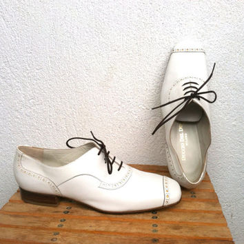 Duccio Del Duca White Oxford Shoes, Made in Milano Italy, 60s Spectator Flats, Toe Cap Shoes,Jazz,  Swing Dance Slip Ons, Size US 7.5, EU 38