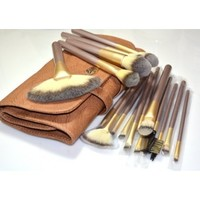 Elite 18 Piece Makeup Brush Set Professional Quality by L.A. Minerals a Registered Trademark