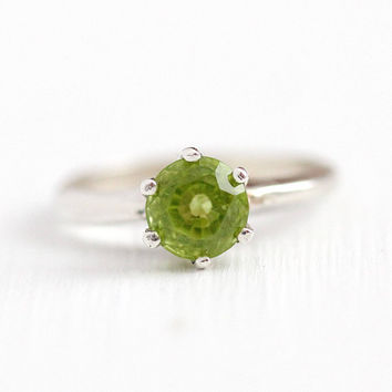 Vintage Peridot Ring - Sterling Silver Light Green Genuine Gem 1 + Carat Round Solitaire - Retro 1970s Size 4 3/4 August Birthstone Jewelry