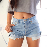 90's High waisted Levi cut off shorts