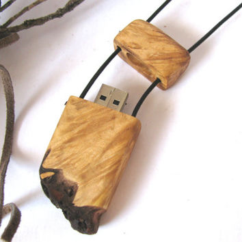 Unisex maple wood flash drive pendant. 16 GB. Thumb drive necklace.