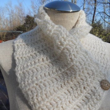 SUMMER SALE!!  Crochet Cowl scarf in oatmeal linen color, neckwarmer, scarf with buttons. Womens Accessory Winter Fashion