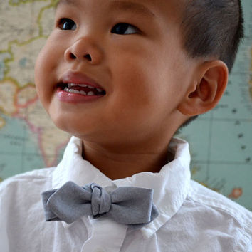 Boys Bow Tie in Gray Oxford - clip on self tie diamond point black charcoal cotton toddler baby photo prop
