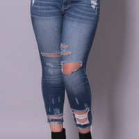 Plus Size Shredded Detail Skinny Jean