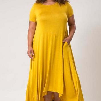 Plus Size Short Sleeve Maxi Dress with Pockets