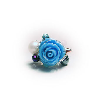 Blue Rose Ring with Freshwater Pearls, Stud and Faceted Glass Crystals