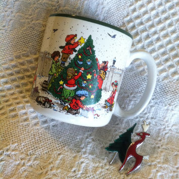 Christmas Scenes Mug Children Decorating Tree Family Choosing Christmas Tree Vintage 1989 Potpourri Press Ceramic Collectible Beverage Cup