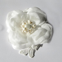 Ivory Flower Bridal Alligator Clip. Silk Flower for Hair with Swarovski Cristal and Pearls.