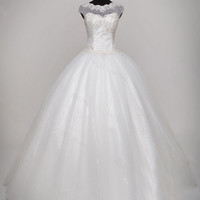 2013 Sweatheart Embroidered Appliques on Net Wedding Dresses