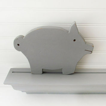 French Provencal Pig Cutting Board Decoration - Grey Chalk Painted Pig - Rustic cottage Decor - Kitchen Decoration