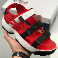 FILA DISRUPTOR SD New fashion bandage buckle sports sandals couple shoe Red
