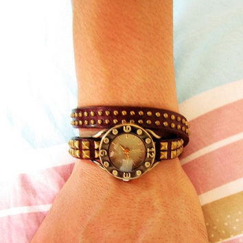 Vintage Style Chocolate Leather Bangle with Bronze Rivet Women Leather Cuff Women Watch  1372A