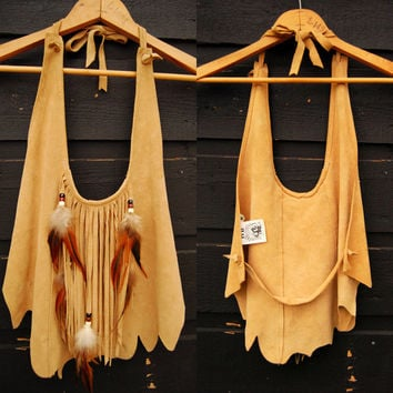 70s DEERSKIN Suede Halter Top, HB Fringed Native American Leather Top, XS S Crop Top, Beaded Feathers Tan Suede 60s Boho Hippie Festival