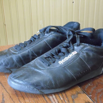 FREE SHIPPING - Reebok Shoes/Size 9 Reebok Shoes/Vintage Shoes/Throw-back/Retro Shoes/Vintage Reebok
