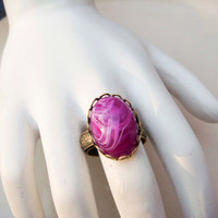 Vintage Adjustable Gold Toned Ring with Purple Swirl Cabochon