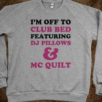 Club Bed: DJ Pillows & MC Quilt (Sweater) - Text First