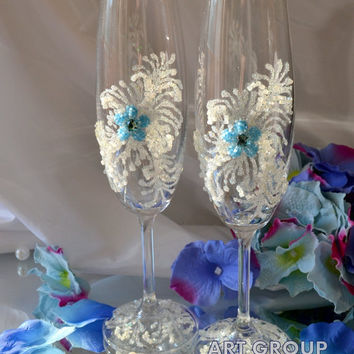 Something Blue Wedding Flutes Blue Flower Champagne Glasses Personalized wedding flûtes Blue  Wedding champagne glasses