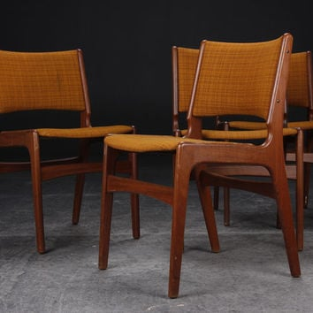 Set of 4 Vintage Erik Buch Chairs  Discounted