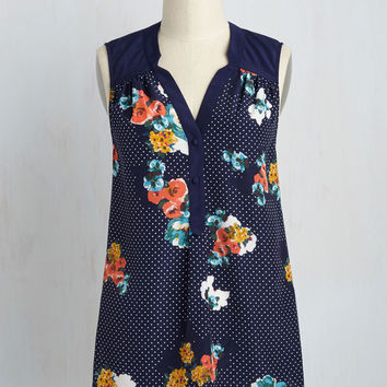 Girl About Easton Tunic in Floral Dots | Mod Retro Vintage Short Sleeve Shirts | ModCloth.com
