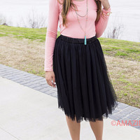 Tullen' Around Black Tulle Skirt