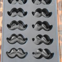 Vintage Retro Mustache Ice Trays Candy Molds Soap Molds- great for party decor NEW