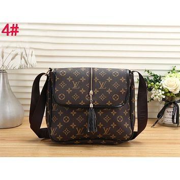LV Louis Vuitton Fashionable Women Tassel Leather Shoulder Bag Crossbody Satchel