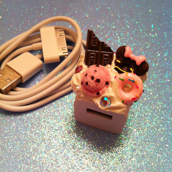 KAWAII Decoden iPhone / iPod Charger Wall Adapter