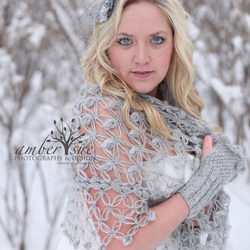 Wedding Shawl Shrug Bolero //  Winter accessories //  Bride Accessories //  Wedding shrug //  Winter wedding / Bridal Shrug