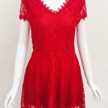 Streetstyle  Casual Red Patchwork Lace Hollow-out Pleated Plunging Neckline Mini Dress