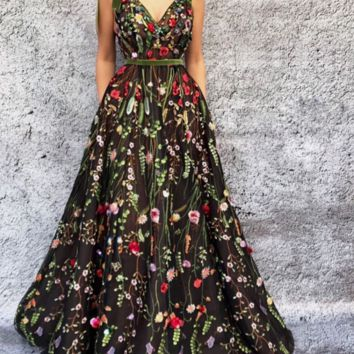 Unique V-Neck Prom Dresses A-line Appliques Tulle Long Prom Dress Cheap Prom Gowns G6520