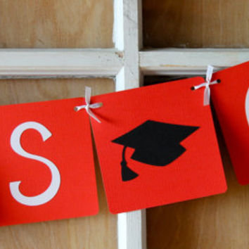 Congrats Grad Banner (Red) / Graduation 2014 / Graduation Party / Party Decor / College Graduation / High School Graduation / Garland