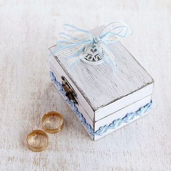White Wedding Ring Box, Custom Beach Ring Box, Shabby Chick  Ring Bearer, Personalized Wood Ring Box, White Ring Box, Keepsake Ring Bearer
