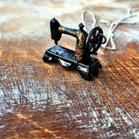 Sewing Machine Necklace (Free shipping to USA)
