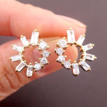 Pretty Round Rhinestone Hoop Shaped Stud Earrings in Gold