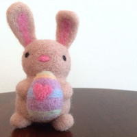 Needle Felted Bunny holding Easter Egg - Easter gift, Easter Bunny, Spring Decoration, Pastels - All natural handmade wool figurine