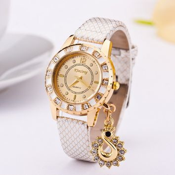 Fashion Swan Pendant Leather Wrist Quartz Watch