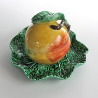 Majolica Condiment Jar with Under Plate / Bordallo Pinheiro / Majolica Style