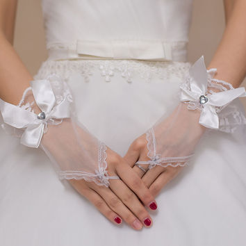 White Diamond Bow Accent Mesh Bridal Gloves