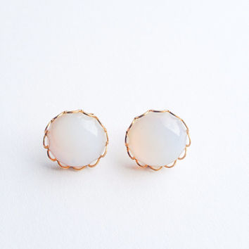 Vintage Romantic moonstone chic gorgeous Stud earring :) Retro chic cute sixties seventies style Mid century love factory nyc