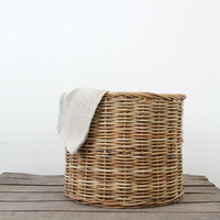 Vintage Woven Basket / Large Hamper Basket
