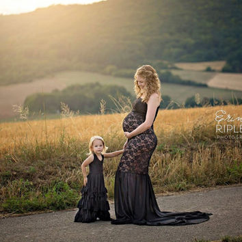 Shanelle Black lace/chiffon slim fit maternity gown/trumpet gown/mermaid gown/bridal gown/senior prop/modeling