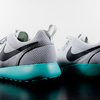 "Nike Roshe Run ""Calypso"" - Attic"