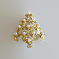 Christmas Tree Pin, Designer BW Signed, Faux Pearl Rhinestone Angels, Minty & Lovely!