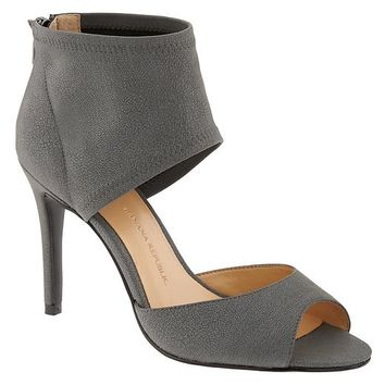 Banana Republic Womens Juliet Hooded Zip Pump