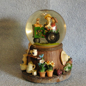 Musical Snow Globe - Farming Theme - Tractor