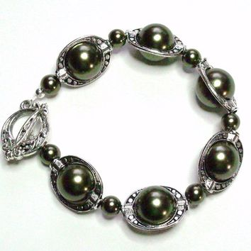 Bracelet Forest Green Pewter Silver Glass Handmade Bracelet
