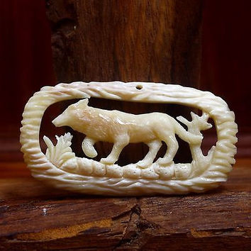 """Hand Carved wolf 2."""" Natural Buffalo Bone Pendant Bead Necklace Jewelry BP1167"""
